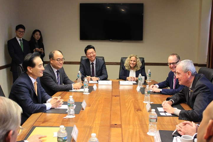 Consul General Park meets with New Jersey Governor Phil Murphy